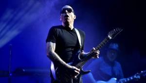 Joe Satriani, John Petrucci a Uli John Roth: Kytaroví veteráni v Praze druhým objektivem