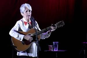 Joan Baez v pražském Kongresovém centru předvedla své nejslavnější písně i album Whistle Down The Wind