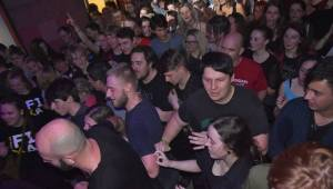 Vypsaná Fixa obstarala velikonoční mejdan ve vyprodaném Divadle pod lampou v Plzni