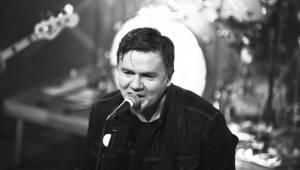 Michal Hrůza pobyl v pražském Lucerna Music Baru nejen Sám se sebou, ale i s nadšenými fanoušky