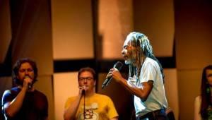 Bobby McFerrin vystoupil v Praze s libereckým sborem Akcent