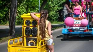 Plzeňský Majáles: Za slunného počasí diváky bavili Mig 21, Tomáš Klus, Marek Ztracený nebo Lenny