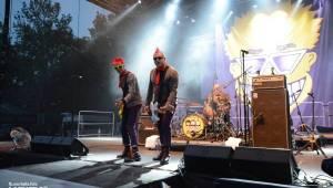 Tři sestry slaví na Braníku 33 let, v první den vystoupili Apple Juice, Plexis nebo britští Toy Dolls