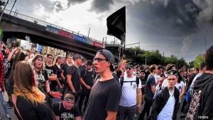 Marpo a TroubleGang pokořili O2 arenu. Fanoušci před koncertem pochodovali Prahou