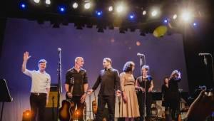 Jan P. Muchow & The Antagonists zahráli Lucky Boy a další filmové skladby v Divadle Archa