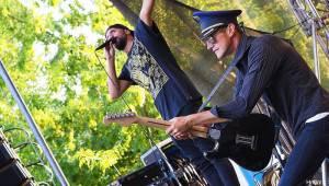 Mezi ploty v sobotu hráli a zpívali Tomáš Klus, Xindl X, Honza Křížek nebo Mydy Rabycad