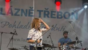 Aneta Langerová a Monkey Business zahájili lázeňskou sezónu v Třeboni