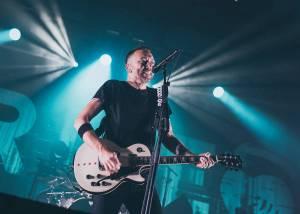 Punkrockeři Rise Against uvařili Forum Karlín ve vlastní šťávě