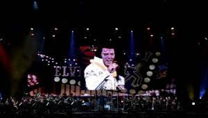 Hity Elvise Presleyho rozezněly O2 arenu. Výpravnou show uvedla jeho manželka Priscilla