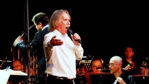 Jaromír Nohavica se v Litomyšli spolu s Janáčkovou filharmonií dočkal zasloužených ovací vestoje