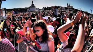 Vysmáté léto přivítalo tisíce návštěvníků, bavili je Divokej Bill, Jaroslav Uhlíř i Ben Cristovao