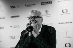 MFF Karlovy Vary: Tim Robbins se setkal s novináři, u domu České televize hráli Lanugo