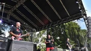 Rock For JK Manětín: O pořádný kotel se postarali Krucipüsk, Alkehol, Trautenberk a další