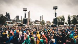 Propršený první den Colours Of Ostrava roztančili N.E.R.D. s Pharrellem Williamsem