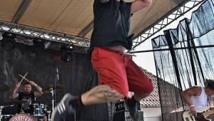 Metal Fest v Plasích spláchl déšť, předtím vystoupili Krucipüsk nebo Stroy