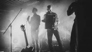 Zrní se vrátili do Ostravy. Vydařený koncert odehráli v Barráku