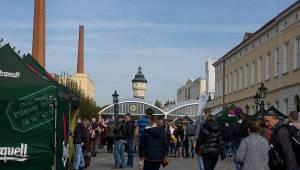 Plzeň žila pivem a hudbou. Na Pilsner festu vystoupili Barbora Poláková, Žlutý pes, Anna K. nebo Pipes and Pints
