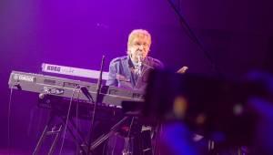 Miro Žbirka křtil Double Album. Lucerna Music Bar aplaudoval osvědčeným hitům i britským hostům