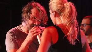 Sexy Dancers trsali v brněnské Radosti. Dara Rolins a Dan Bárta roztančili fanoušky