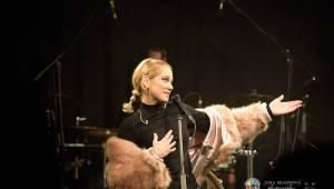 Emma Drobná a Emma Smetana svými hlasy okouzlily plzeňskou Papírnu