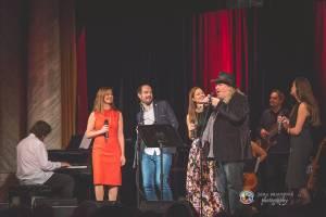 Hudba Petra Hapky naplnila Měšťanskou besedu v Plzni, jeho písně zpívali Lenka Nová nebo František Segrado