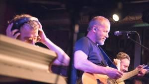 David Koller odstartoval akustickou sérii koncertů v JazzDocku