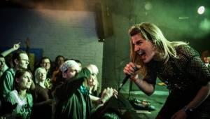 Gaia Mesiah vyprodala pardubického Žlutého psa, s Markou Rybin tančil celý klub