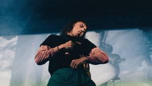 Tommy Cash přivezl do Roxy extravagantní a nestydatou show