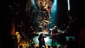Hentai Corporation v Plzni: Živelná smršť převálcovala Divadlo Pod Lampou