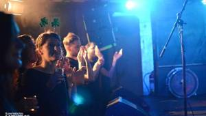 Oslavy svatého Patrika v Rock Café: Zoe Hayter, Travis O'Neill, Cheers! a spousta irského alkoholu
