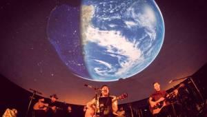 Imodium se rozloučili pod hvězdnou oblohou v Planetáriu Praha