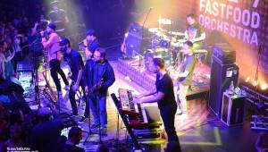 Kalhotky létaly vzduchem, Fast Food Orchestra slavili v Praze dvacet let