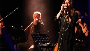 Aneta Langerová zaplnila brněnské Sono. Kromě kapely ji doprovodilo i smyčcové trio
