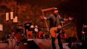 Škwor zahrál v Plzni své rockové hity unplugged