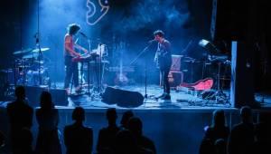 Mladí ladí jazz: V MeetFactory vystoupili Jameszoo, Android Asteroid i Johannes Benz