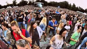 90s Explosion v Praze: Výstaviště se změnilo v diskotéku devadesátých let. Vystoupili Ace Of Base nebo Twenty 4 Seven