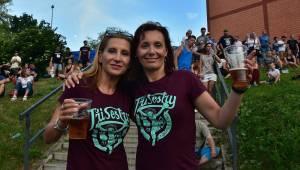Tři sestry dodrželi tradici a opět bavili na červnovém open airu v Plzni. Hráli také Doctor P.P. nebo E!E