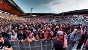 Kiss přilákali do svatostánku fotbalové Slavie pětadvacet tisíc fanoušků. Zahráli i ZZ Top a BSP