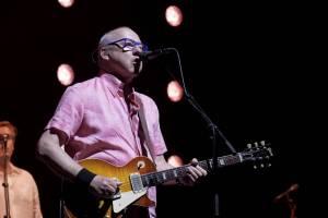 Mark Knopfler přijel do pražské O2 areny s novým albem Down The Road Wherever