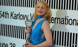 MFF Karlovy Vary ocenil film Otec i Patricii Clarkson, Jiří Bartoška děkoval městu za pohostinnost