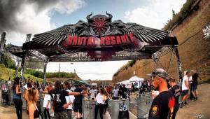 Metalové kázání v Josefově: Brutal Assault hostil v první den Parkway Drive, Therion nebo Batushku