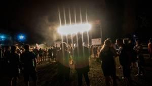 Druhý den Létofestu v Ostravě nepokazil ani déšť: Fanoušky bavili Tomáš Klus, Marek Ztracený i Wanastowi Vjecy