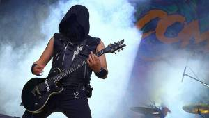 Závěr festivalu Brutal Assault byl ve znamení plamenů i duhy. Hráli Napalm Death, Rotting Christ nebo Raised Fist