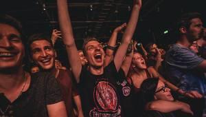 Offspring se svou punkrockovou smrští dobyli i Brno