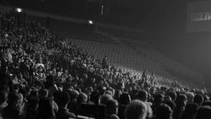 David Garrett zahrál v O2 areně na housle klasiku, ale i Nirvanu, Metalliku nebo Michaela Jacksona