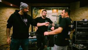 EXKLUZIVNĚ: Marpo & TroubleGang dotočili desku DVA. Byli jsme za nimi ve studiu