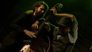 Postmodern Jukebox v Roxy: Jazzový večírek s hity Davida Bowieho i Guns N' Roses