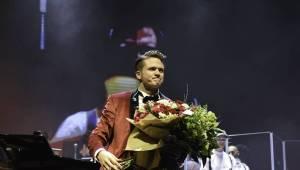 Ondřej Brzobohatý dojal vyprodané Forum Karlín. Vystoupili také Marta Jandová, Vojta Dyk nebo Ondřej Ruml