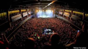 Největší koncert v dějinách fixího lidu. Vypsaná Fixa se ve Foru Karlín pořádně rozepsala