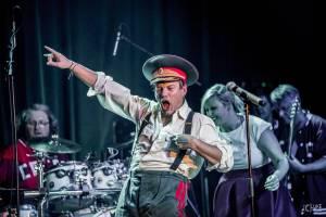 Monkey Business dorazili s Přísliby východního funku i do Brna. V klubu Fléda rozpoutali energickou show
